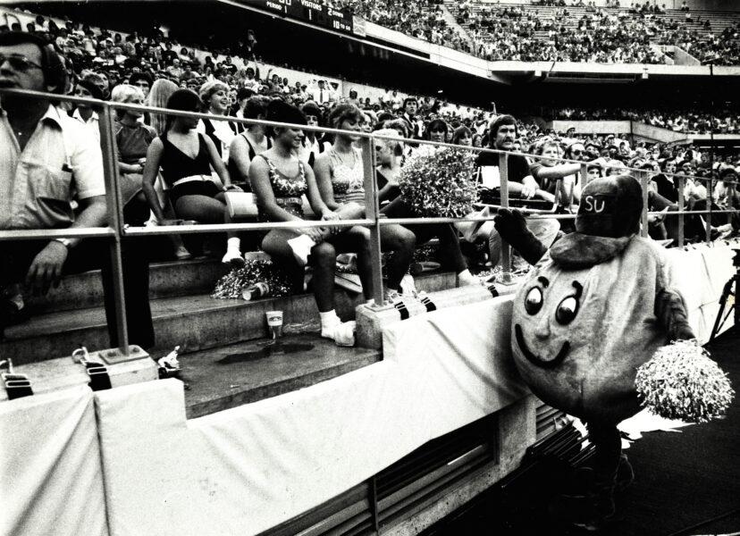 Otto at SU game, 1982.
