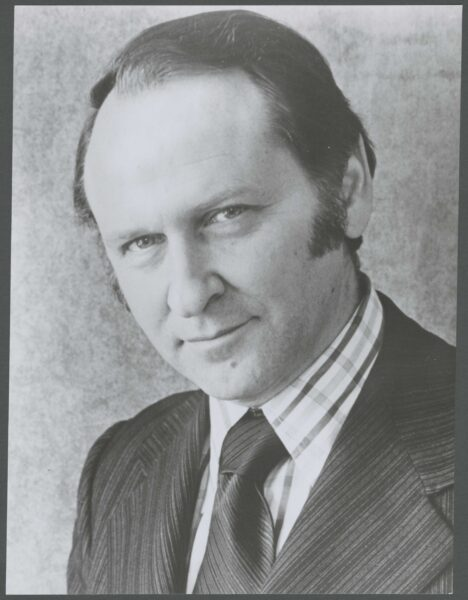 William Safire, black and white photo